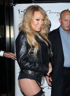 Nein, Mariah Carey ist nicht gerade auf den Weg in ihr Schlafzimmer, um ihren Verlobten zu verführen. Tatsächlich zeigte sich die Pop-Diva... #MariahCarey #StarStyle #RedCarpet