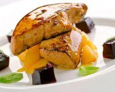Foie gras poêlé et sauce passion Gastro, Starters, Baked Potato, Entrees, French Toast, Good Food, Goodies, Turkey, Menu
