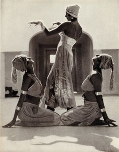 Margaret Morris dancers.