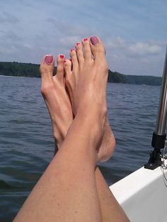 What a view of those Jamberry toes....