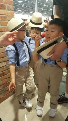 #Cr.Daehan Minguk ManSe# Thailand FB #Song's Cute Triplets Song Il Gook, I Miss You Guys, Man Se, Song Triplets, Korean Shows, Kids And Parenting, Superman, Kids Fashion, Maternity