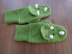 Triceratops mittens, crochet gloves, dinosaur mittens, costume gloves, mens gloves, womens gloves, mittens