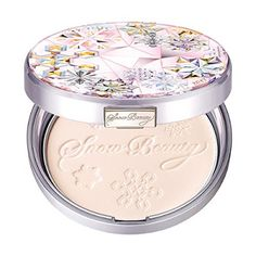 Shiseido Will Release Limited Edition 2017 Snow Beauty Whitening Face Powder This Fall! Mask For Oily Skin, Oils For Skin, Clear Skin Detox, Scaly Skin, Whitening Face, Beauty Packaging, Pretty Packaging, Cosmetic Design, Moisturizer With Spf