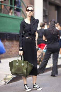 Basic black, classic kicks, and a great bag. Photo: Le21eme