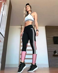 Optimistic traced women body motivation more information Cute Workout Outfits, Workout Attire, Sporty Outfits, Athletic Outfits, Workout Wear, Fashion Outfits, Sport Fashion, Fitness Fashion, Estilo Fitness