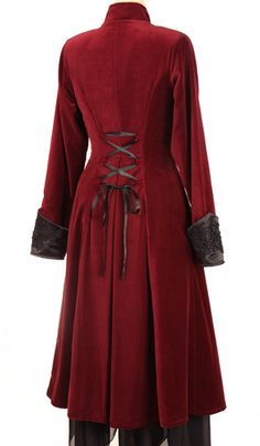Me wants it! - Pirate coat! Be-ribboned laced-up back and plush cuffs.