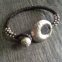 Zilveren kralen armband macrame met zilveren door AkashiJewelry