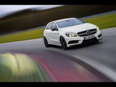 Oficial: Mercedes-Benz AMG a devenit cel mai puternic hot hatch din lume Mercedes A45 Amg, New Mercedes, Dieter Zetsche, Benz A Class, Hatchback Cars, Car Deals, Auto News, Performance Cars, Cars