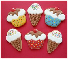 cupcake and ice cream cone cookies - some people are so clever - dammit :)