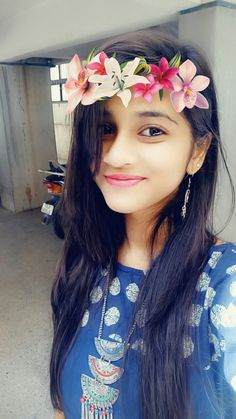 Look Your Absolute Best With These Beauty Tips Dehati Girl Photo, Girl Photo Poses, Girl Photography Poses, Beautiful Blonde Girl, Beautiful Girl Photo, Beautiful Girl Indian, Cute Girl Poses, Cute Girl Photo, Cute Girls