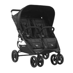 Stroll down the streets with ease in this all black double stroller with an ultra lightweight frame.