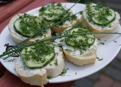 Sandwiches with Cheese and Cucumber