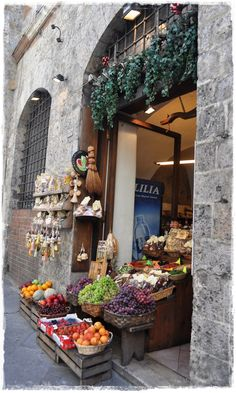 Sienna, Italy - oh, to be here.....