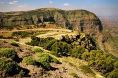 Majestueuses montagnes et falaises dans le parc national du Simien #Ethiopia #Ethiopie