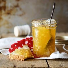 Delicious Jelly Recipes For Your Cheese Board - Pineapple Jam Recipe Pineapple Cookies, Pineapple Jam, Pineapple Recipes, Jelly Recipes, Jam Recipes, Canning Recipes, Sweet Recipes, Crushed Pineapple, Canning Pineapple
