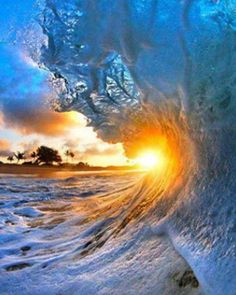 Super wave and sun. Amazing photos In The World.
