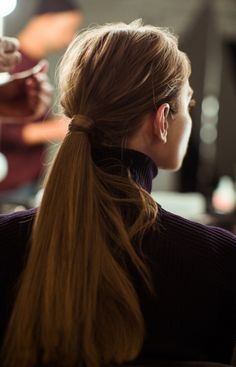 Hair: The Non-Perfect PonytailLearn how to do it here. Pinned by y Lezama Art