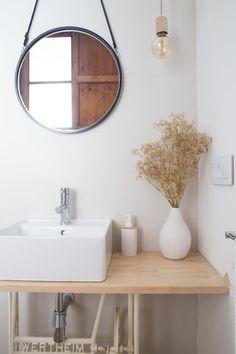 18 Cool Fall Bathroom Decor Ideas – Home Design Black Bathroom Furniture, Modern Bathroom, Small Bathroom, Rental Bathroom, Scandinavian Style, Old Sewing Machine Table, Burgundy Walls, Sweet Home, Spanish House