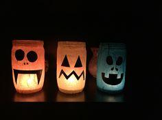 Strašidla ze zavařovacích sklenic Table Lamp, Mugs, Halloween, Tableware, Home Decor, Homemade Home Decor, Dinnerware, Cups, Table Lamps