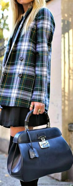 Wonderful Tartan Jacket, yes, but would you please gaze at the wonderful bag???? Sometimes the most unassuming detail is the best.