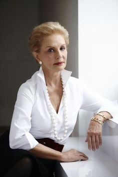 How Carolina Herrera Built a Billion-Dollar Brand With Staying Power Perfume Carolina Herrera, Carolina Herrera 212, Classic White Shirt, Crisp White Shirt, Blusas Carolina Herrera, Carolina Herrera Dresses, Carolina Herera, Place Rouge, Robes Glamour