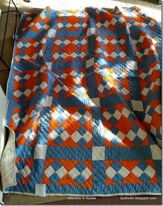 From Bonnie Hunter's blog Love the colors. Great masculine quilt.