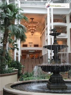 Spend a Day at the Gaylord Opryland Hotel in Nashville, Tennessee - @Jody Halsted gives a visitors look into the Gaylord Opryland Hotel where #BlissDom is held