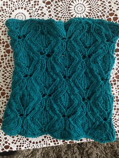 Knitting Butterfly Stitch Pattern : 1000+ images about Knitting: Other Lace Patterns on Pinterest Knitting Stit...
