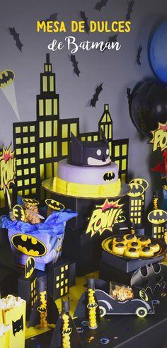 Si tu pequeño es amante de batman y quieres festejar su cumpleaños con este tema, sigue este tip donde aprenderás paso a paso a montar una mesa llena de color y de sabor, tus invitados quedarán impresionados de lo padre que quedará.