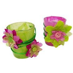 Teelichter in frischen bunten Farben selber gestalten. Mit buntem Transparentpapier, Bastelfilz und neutralen Teelichtgläsern eine Frühlingsdeko gestalten.