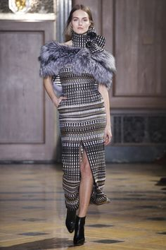 See the complete Sophie Theallet Fall 2016 Ready-to-Wear collection.