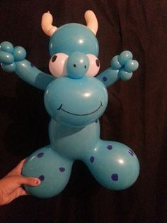 Monster Twist Balloon made with Big Bear Head latex shape, artist unknown. Look for Shonna Flanigan balloon artist, creator of many, many more original special latex shape designs.
