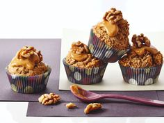 Oat-banana muffins rock at breakfast or snack-time. Top them with maple butter and live the good life! No Bake Desserts, Delicious Desserts, Dessert Recipes, Yummy Food, Breakfast Recipes, Muffin Recipes, Baking Recipes, Bacon Muffins, Cupcake Flavors