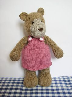 Teddy bear knitting pattern van fluffandfuzz op Etsy