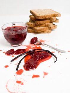 Γλυκό του κουταλιού φράουλα Greek Dishes, Jam And Jelly, Dessert Sauces, Strawberry Jam, Greek Recipes, I Love Food, Fun Desserts, Cake Recipes, Sweets