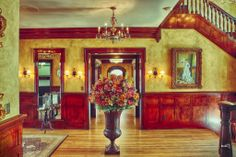 Foyer area of The Bellington Manor in Ogden, UT  #reception #receptioncenter #foyer #floral #art #elegance #luxurious #weddingvenue #utahreceptioncenter  @Bellington Manor