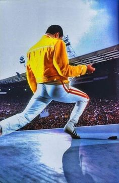 Freddie - Live At Wembley Stadium 1986 John Deacon, Rock Roll, Queen Banda, A Kind Of Magic, We Are The Champions, Roger Taylor, Queen Photos, Wembley Stadium, Queen Freddie Mercury