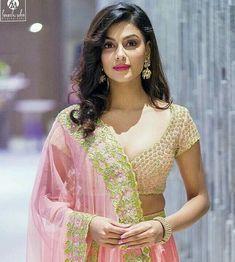 Anisha Ambrose Lovely Girl Image, Girls Image, Beautiful Bollywood Actress, Beautiful Indian Actress, Bhojpuri Actress, Elegant Girl, Beauty Full Girl, India Beauty, Indian Girls