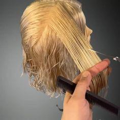 Hair Cutting Videos, Hair Cutting Techniques, Hair Color Techniques, Curly Hair Cuts, Long Curly Hair, Short Hair Cuts, Curly Hair Styles, Wavy Haircuts, Layered Haircuts