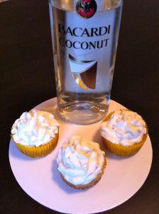 Pina colada cupcakes ~ Little Bit Sweet