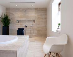 The bathroom has become the spare room in the home. Bad Inspiration, Bathroom Inspiration, Bathroom Ideas, Interior Architecture, Interior Design, Bathtub, Home, Google, Image