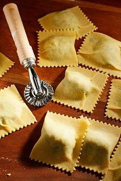 The Chubby Vegetarian: Spinach + Artichoke Ravioli Filling Entree Recipes, Raw Food Recipes, Veggie Recipes, Italian Recipes, Cooking Recipes, Italian Cooking, Ravioli Filling, Spinach Ravioli, Homemade Ravioli