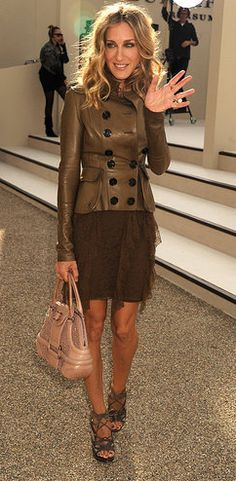 SJP wearing Burberry