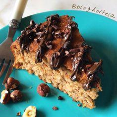 """Enlouquecendo com as variações desta delicia.😍 Conhece o bolo de nozes low carb do @bloghortela ? Ele também pode ser feito com avelãs.🌰🌰🌰 Finalizei com o creme de cacau e avelã zero da @flormeloficial e os meus amados nibs para dar aquele """"tchan"""".🍫🌰😋👌🏻Fica como sugestão de guloseima para o domingão!😜-------------------------------------BOLO DE AVELÃS E CASTANHA DO PARÁ Ingredientes: 1 xícara da farinha de avelãs (só processar avelãs torradas e sem casca para fazer) 1 xícara de…"""