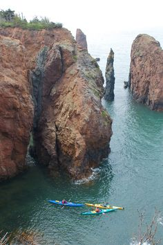 Kayaking on the Bay of Fundy, Nova Scotia, Canada Oh The Places You'll Go, Places To Travel, Places To Visit, Nova Scotia, Quebec, Alaska, East Coast Travel, Destinations, Canada Travel
