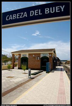 La estación de Adif en Cabeza del Buey | Fotonazos - Viajes y fotografías