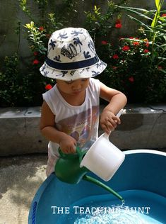These are the top 5 NO PREP outdoor activities for toddlers. These simple activities make use of everyday household items that your toddler will love! Nanny Activities, Outdoor Activities For Toddlers, Montessori Activities, All Games, Household Items, Aunt, Little Ones, Prepping, Teaching