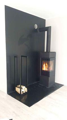 Thor 8 kratki.pl Wood Stove Decor, Interior Exterior, Interior Ideas, Stove Fireplace, Foyer, Wood Stoves, Fire Places, Batcave, Mantels