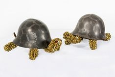 bullet-shells-sculptures-we-are-at-peace-federico-uribe-3