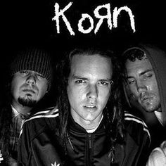 early koRn❤️JD is so hot! Nu Metal, Black Metal, Heavy Metal, Ray Luzier, Rock Band Posters, Brian Head, Jonathan Davis, Brothers In Arms, Greatest Songs